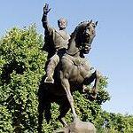 Амир Темур (памятник)