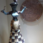 Богиня со змеями - символ минойской цивилизации