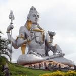 Гигантская статуя Шивы. Храм. Мурдешвар.