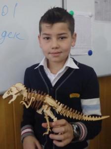 """Аброр Пулатов (5 """"Д""""). Динозавр"""