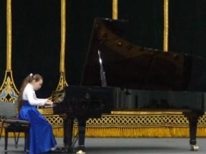 Алина Амеджанова