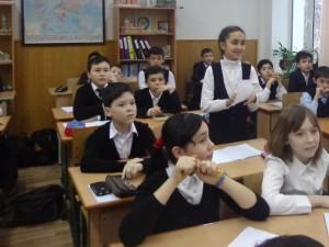 Жасмин Омонова  отвечает на вопросы
