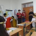 Р.Б.Симонянц - завуч по ДВР, Г.А.Курбанова - завуч по ВР, мама Ясмины Асадуллаевой (Слева направо)