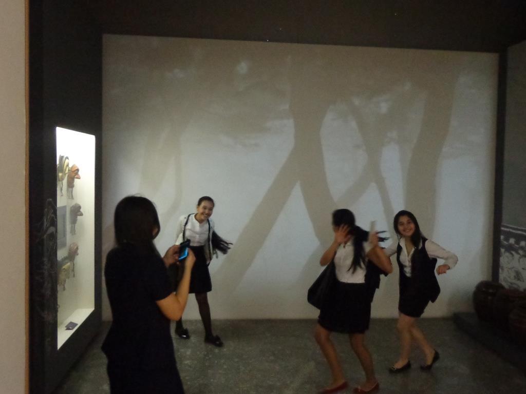 """Корейский национальный танец в исполнении девочек 9 """"В"""""""