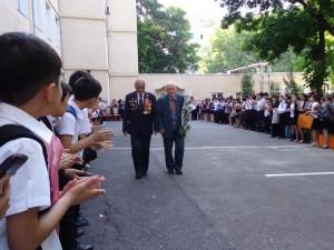 Ветераны на линейке школы №50