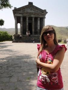 У Храма Гарни